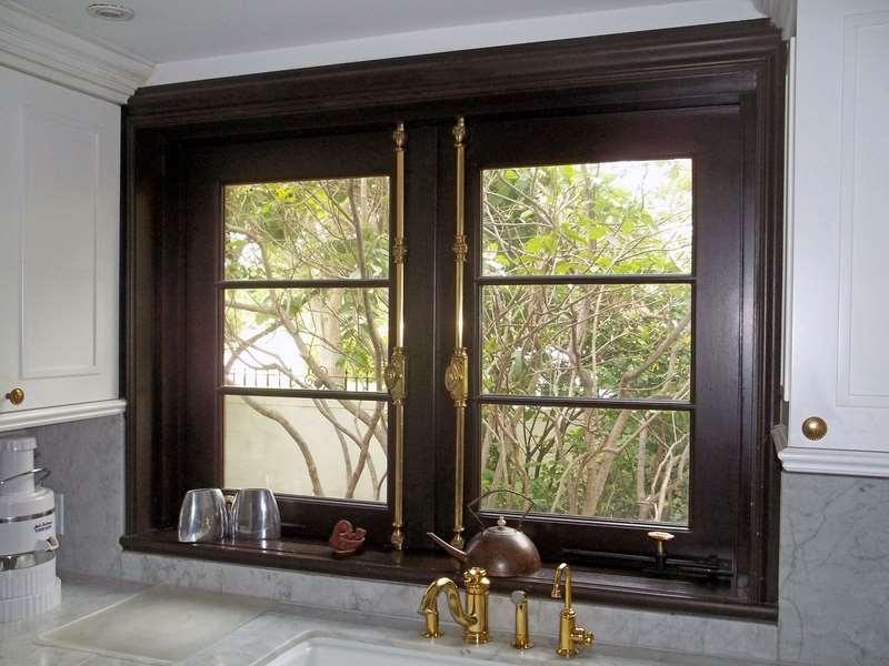Fabulous TRADITIONAL CREMONE BOLTS SOLID BRASS ON DOOR. (1) - Sabana Windows EU89